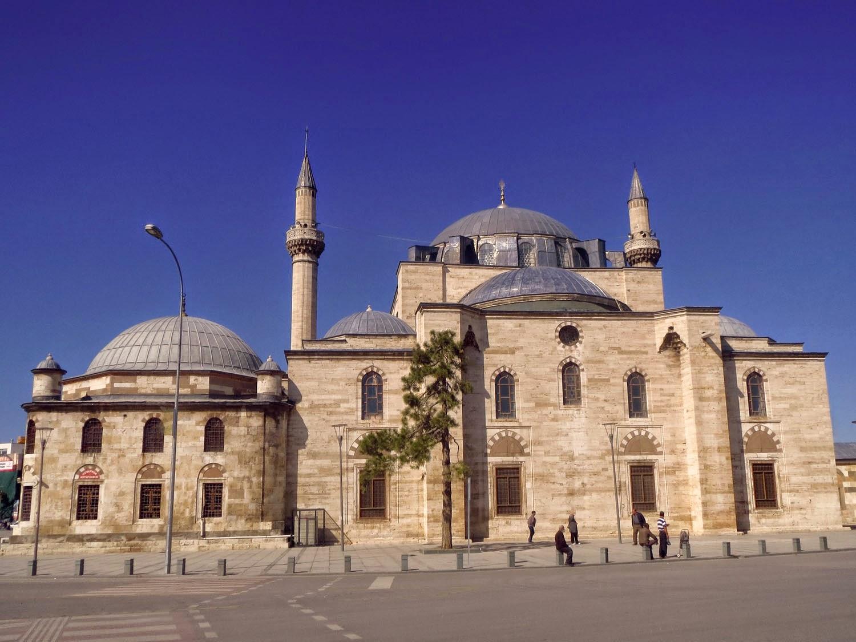 De aquí para allá: Konya y Sultánhani. Hacia el interior.