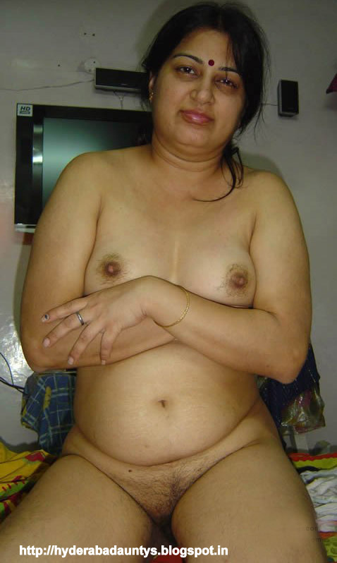 beautiful aunty nude indian