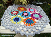 Toalhinha de Rosetas Coloridas