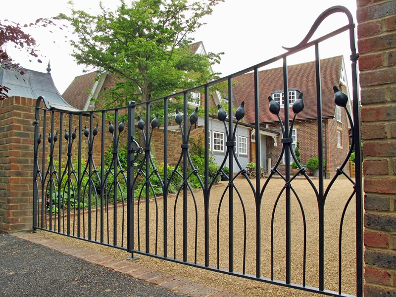 Benefits To using Contemporary Gates