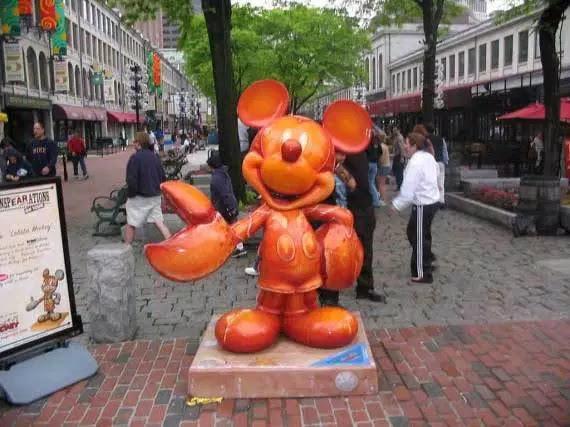 5 Patung Terunik di Dunia