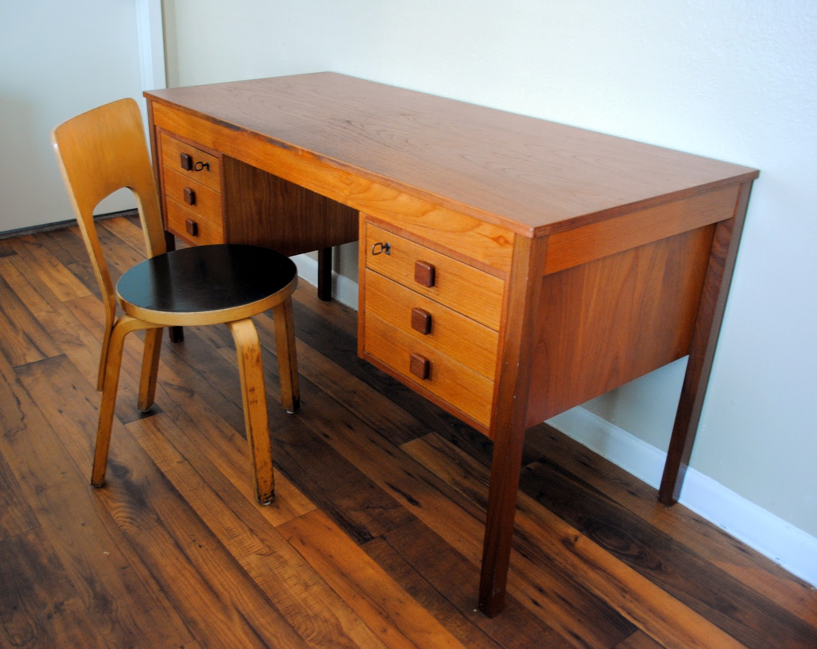 Found: Domino Mobler Teak Desk