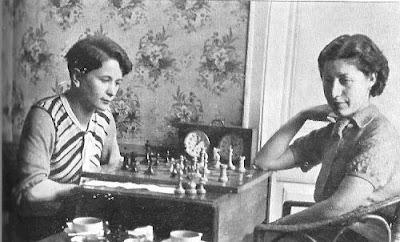 Partida de ajedrez Sonia Graf contra Montserrat Puigcercós