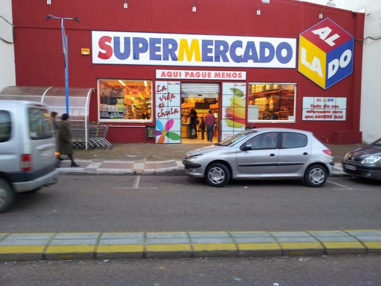 AL LADO Supermercado, Costura, cash para la familia