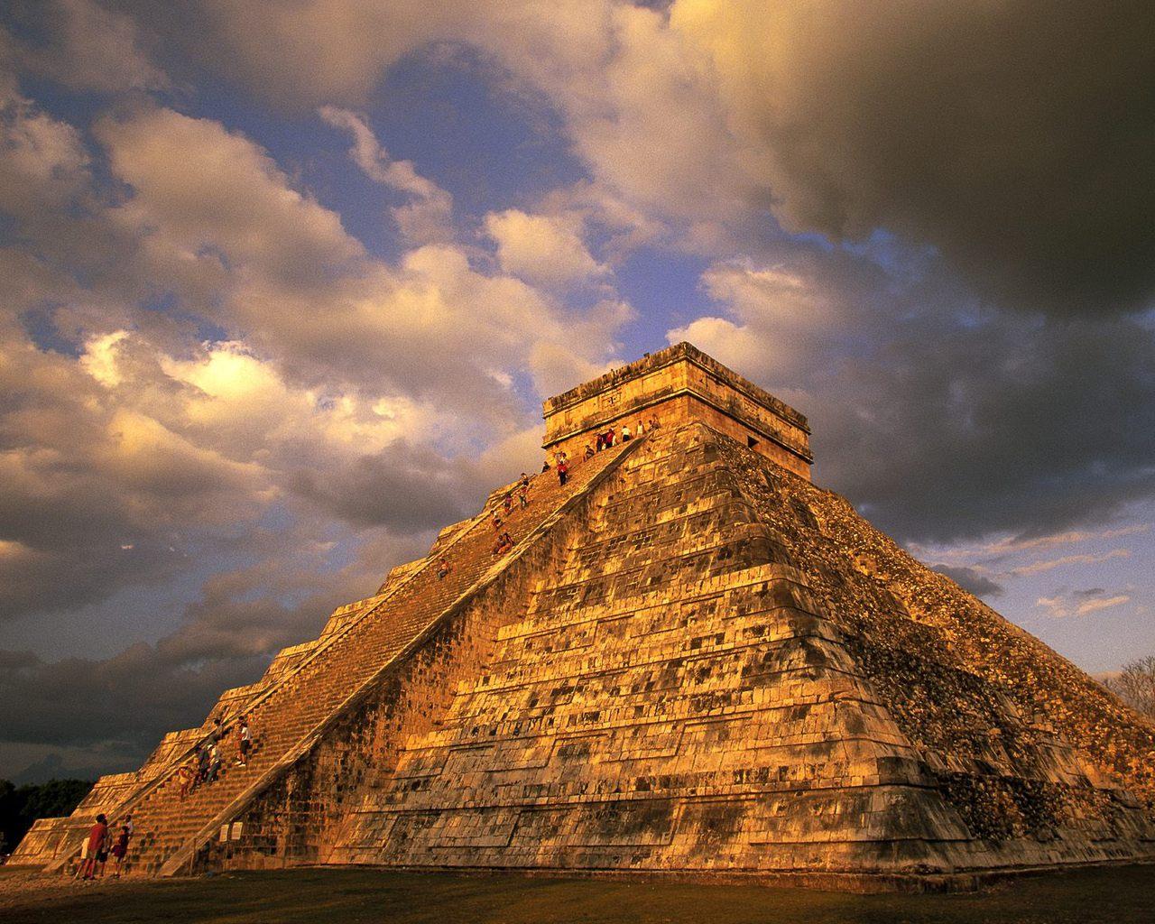 http://2.bp.blogspot.com/-dnCW5sWIqM4/TsUJG1bchRI/AAAAAAAAFCY/yYlLdes8iq8/s1600/Ancient-Mayan-Ruins-Chichen-Itza-Mexico.jpg