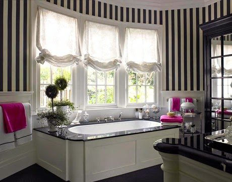 striped black and white bathroom decor ideas and designs
