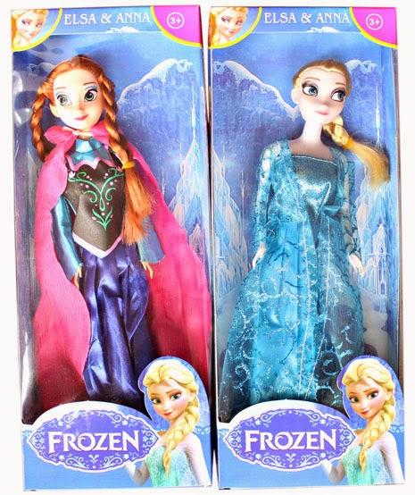 Kado ulang tahun berupa sepasang boneka frozen.