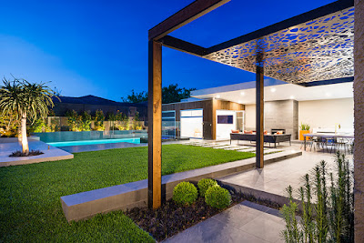 Outdoor Pool Screens