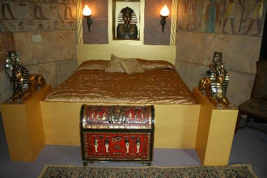 wiat puf i foteli mieszka jak kleopatra aran acje decorating theme bedrooms maries manor egyptian theme