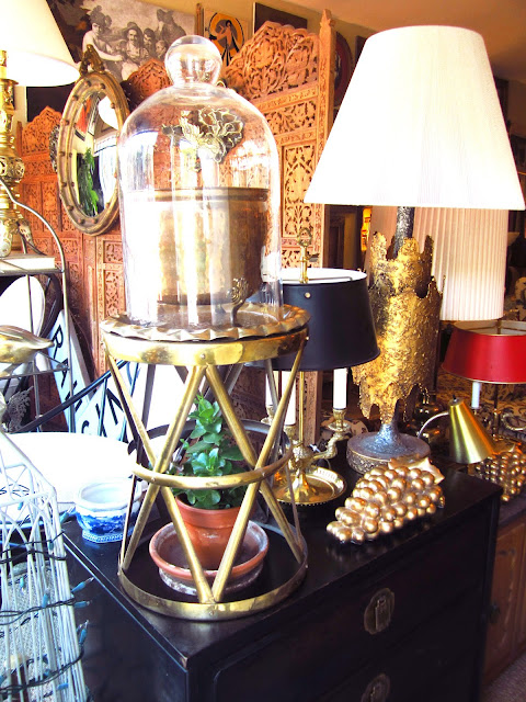 display inside Neo Vintage Decor