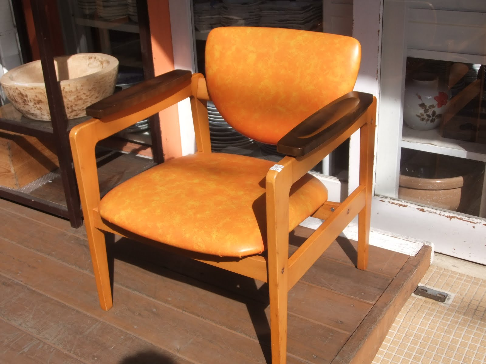 カリモク家具肘掛け椅子※昭和50年代