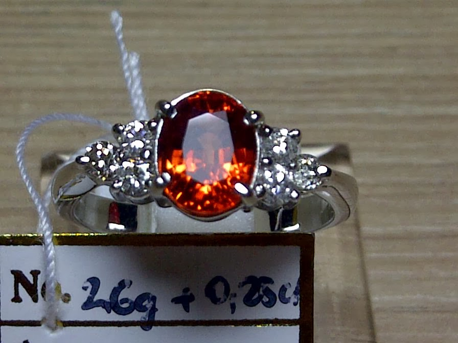 1,5ct LADIES RING GD ORANGE SAPPHIRE