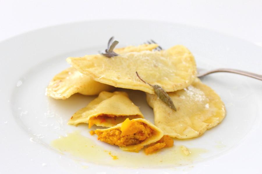 Hokkaido Rezept Herbst Kürbis Ravioli Pastateig Pasta Teigtaschen Nudelteig Nudeln Südtiroler Foodblog