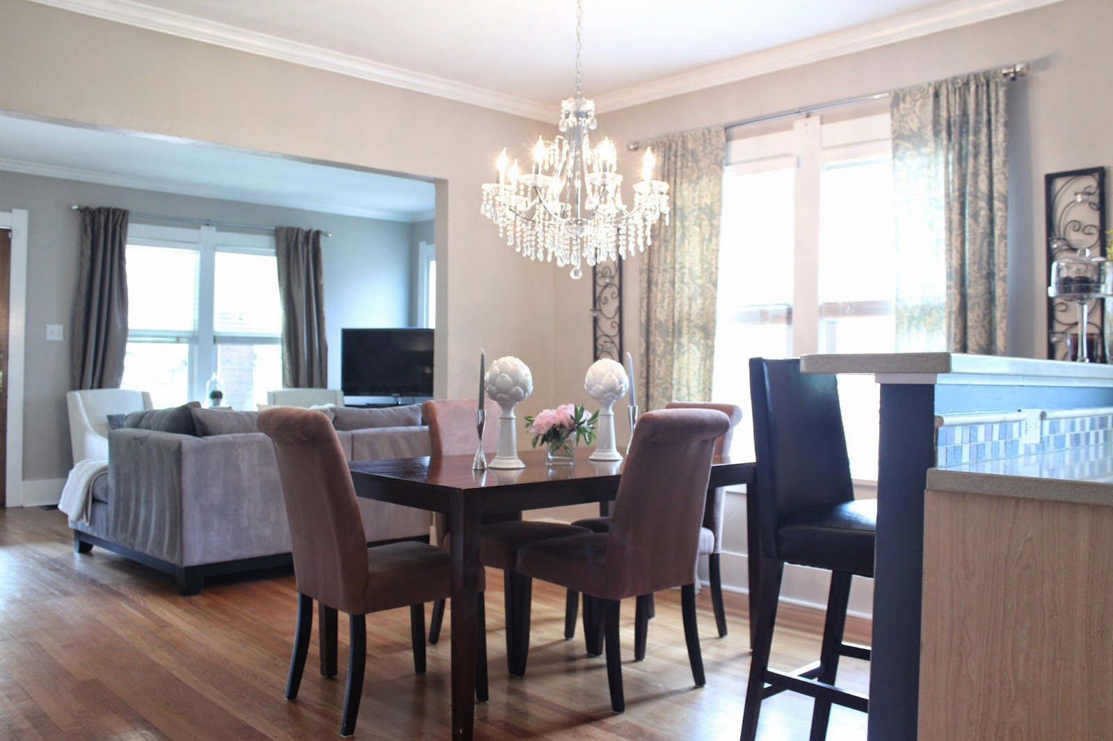 Sunlight sparkle june 2014 for Dining room definition