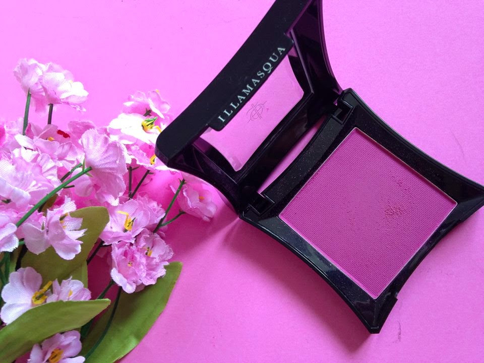 Illamasqua blush in thrust