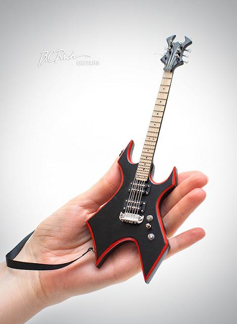 иниатюрная копия гитары B.C. Rich. Ручная работа. Hande made. Кирилл Росляков