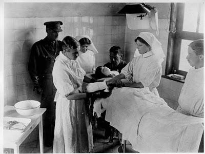 Enfermeria avanza vera mary brittain enfermera for Epoca contemporanea definicion