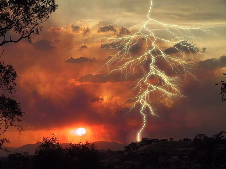 Only-Nature: Lightning Storm Images