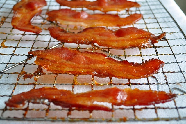 ... to make this sweet and spicy bacon the idea has been in the back of my