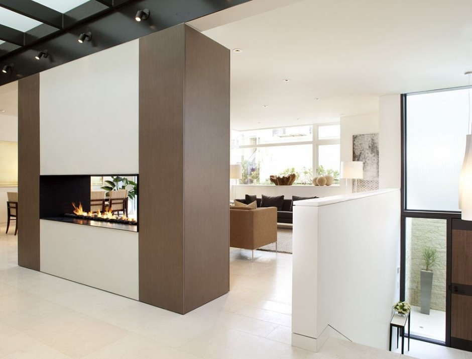 Wall In The Centre Of A Room To Separate The Living Room And Kitchen