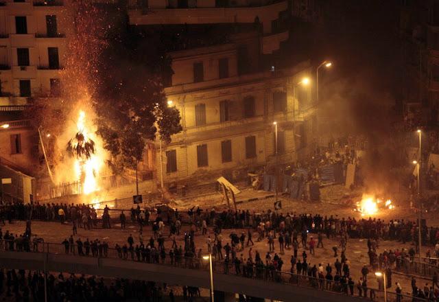 PRE-REVOLUCIÓN EN TURQUÍA : ERDOGAN SILENCIA LAS REDES SOCIALES  Turquia+rebelion