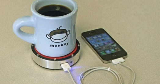 Epiphany onE Puck: iPhone charging with a hot cup of coffee