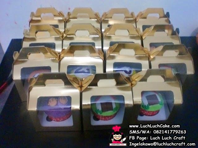 Cupcake Souvenir Ulang Tahun 2D Fondant surabaya - sidoarjo