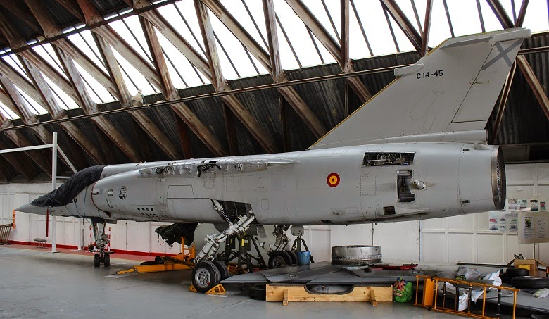 Mirage F-1 en restauración