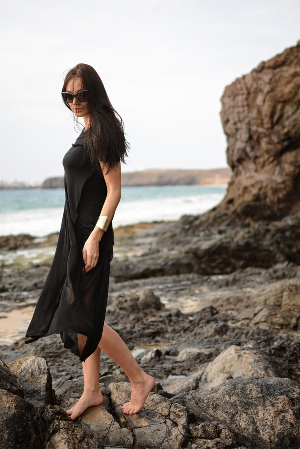 Outfit_Beach_Dress_Black_Summer_Dresses_FashionBlog_LamourDeJuliette.005