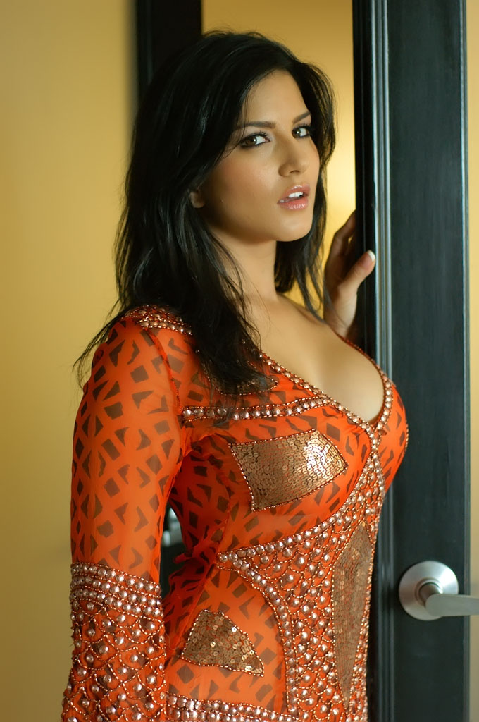Sunny Leone Hot Images