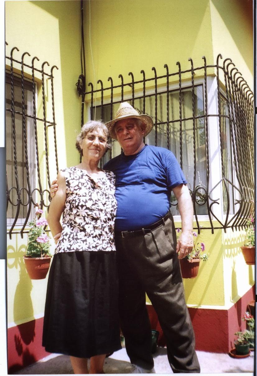 Ionicã Pasat(colegul de liceu al tatalui meu) si sotia lui Rodica(ea a decedat)