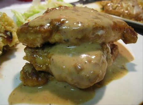 how to cook smothered pork chops