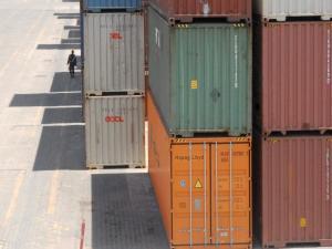 Container Jatuh Tertiup Angin, Satu Tewas