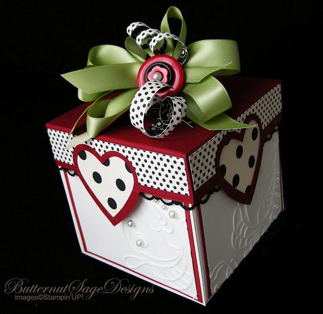 Tarjeta hecha a mano: Scallop Corner Box Valentine!