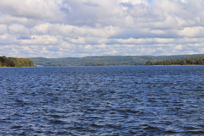Il lago visto dal traghetto