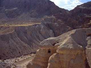 Cave of the Dead Sea Scrolls, Qumran Cave 4, Israel Wallpaper
