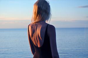 Mirar al horizonte y recordarte.