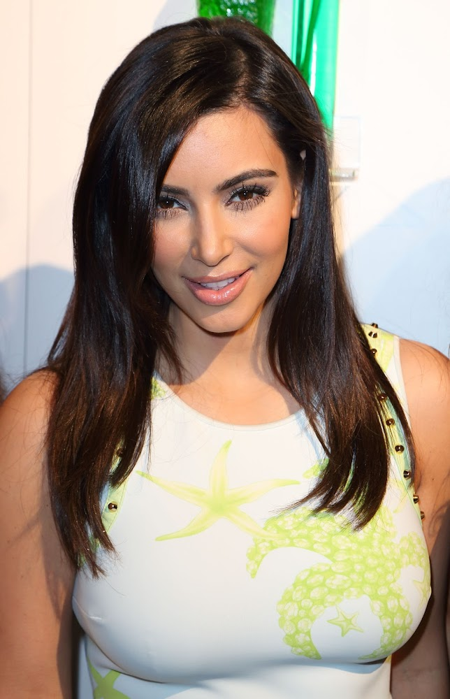 Kim Kardashian Stunning Photos at the Midori Beachside Bash