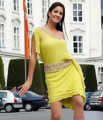 Katrina in yellow dress