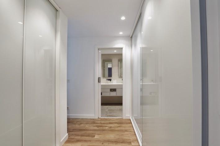 Ilia estudio interiorismo ilia estudio proyecto reforma dise o interior y equipamiento de - Focos pasillo ...