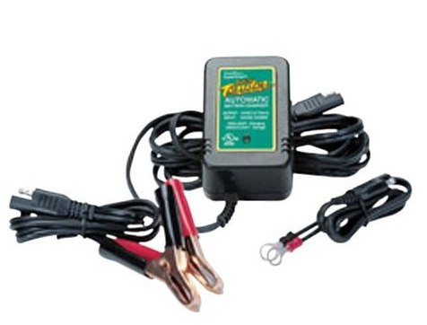 how to keep motorcycle battery charged during winter