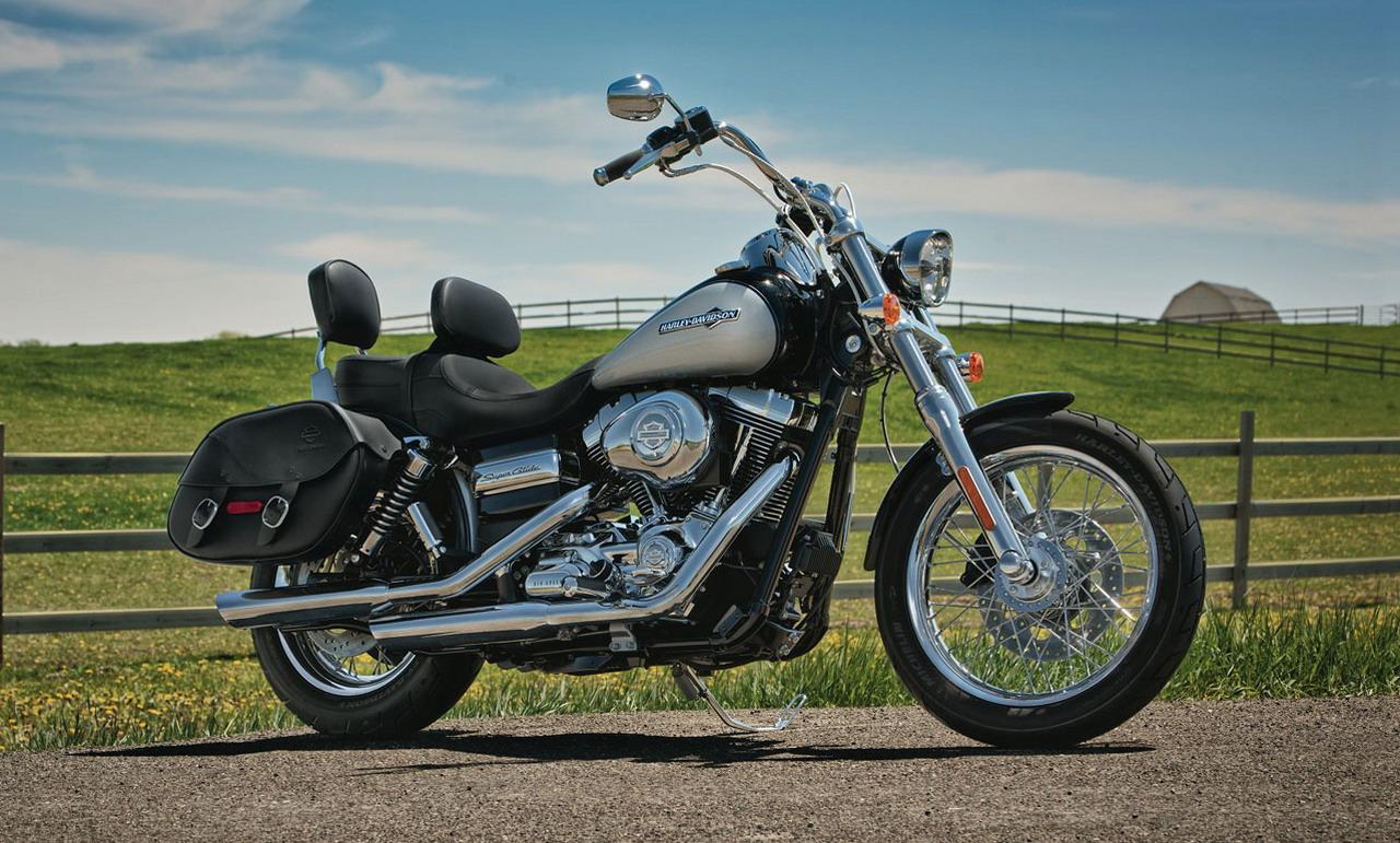 http://2.bp.blogspot.com/-drXyLr6zf8A/TjxReYBIZZI/AAAAAAAACEY/LkKSPo48jF8/s1600/2012-Harley-Davidson-FXDC-Dyna-Super-Glide-Custom.jpg