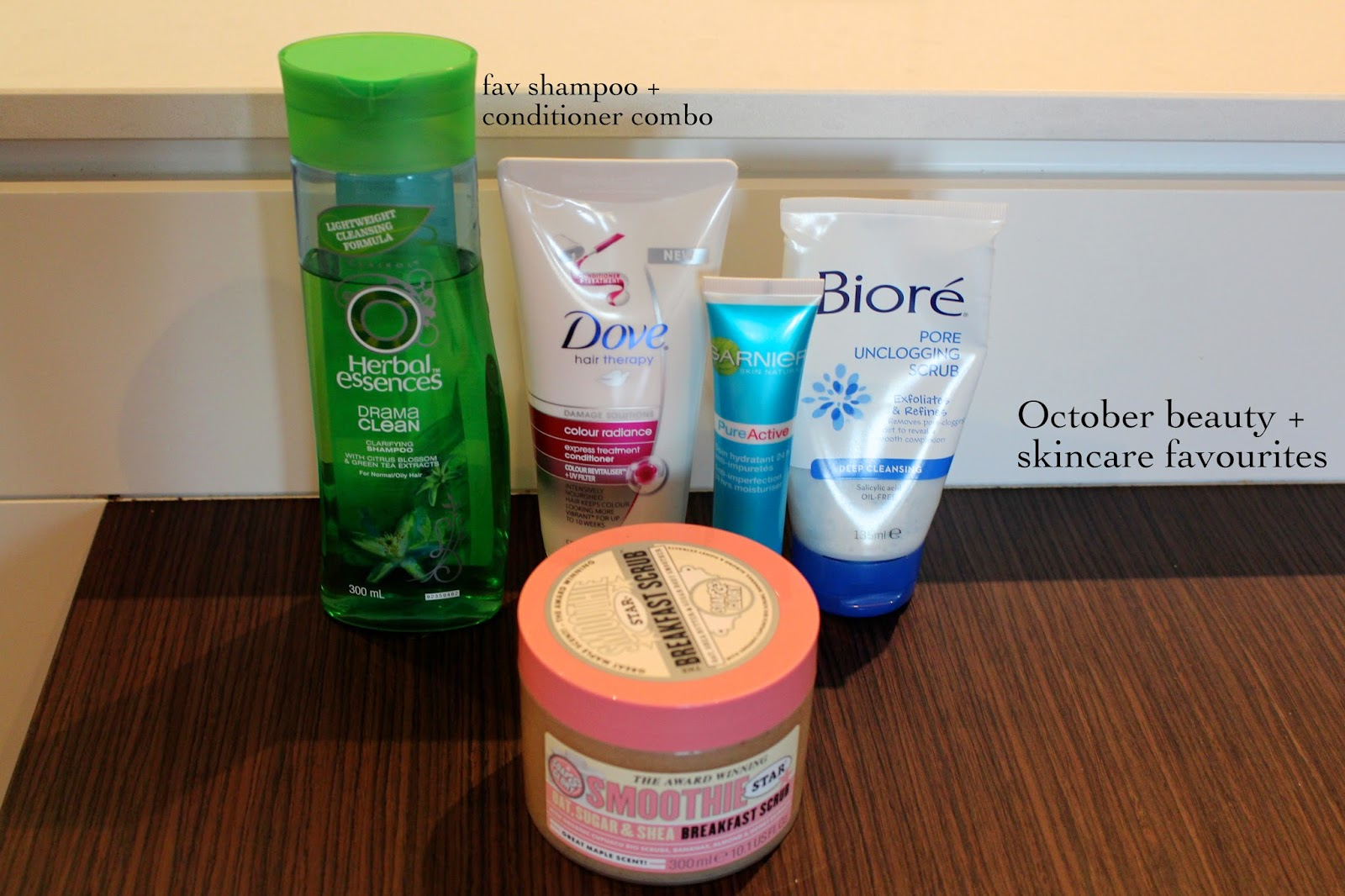 october beauty and skincare favourites, herbal essences drama clean shampoo, dover colour radiance express treatment conditioner, garnier pure active anti-imperfections moisturiser, biore pore unclogging scrub, soap and glory breakfast scrub, reviews, beauty review, skincare reviews