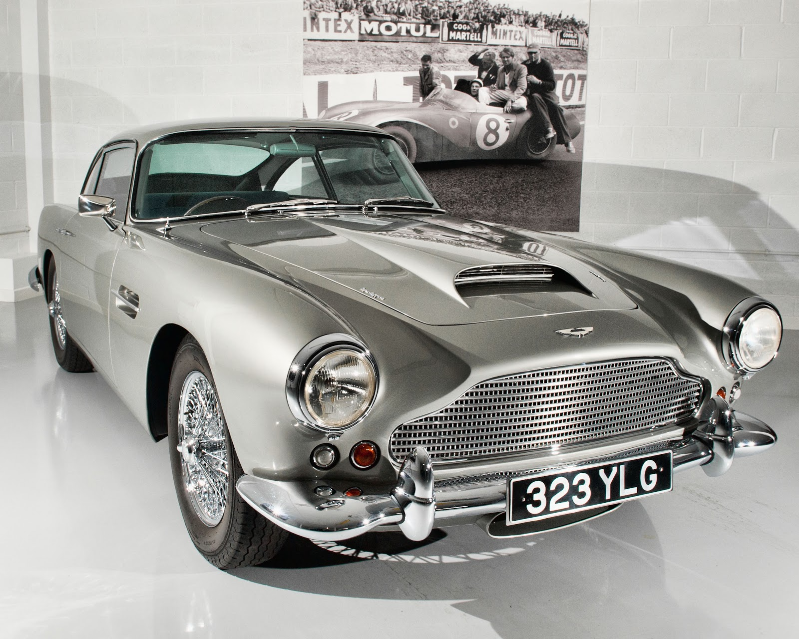 Awesome Classic Car Photography: Aston Martin