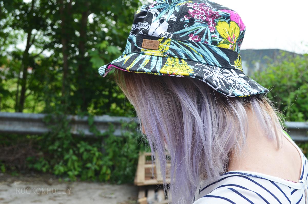 Glastonbury Festival Style - Vans Hat