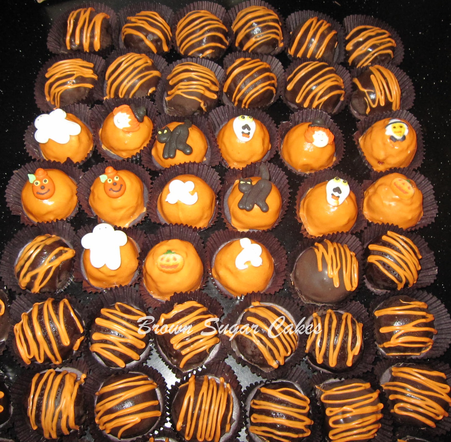 Brown Sugar Cakes: Halloween Cake Bites