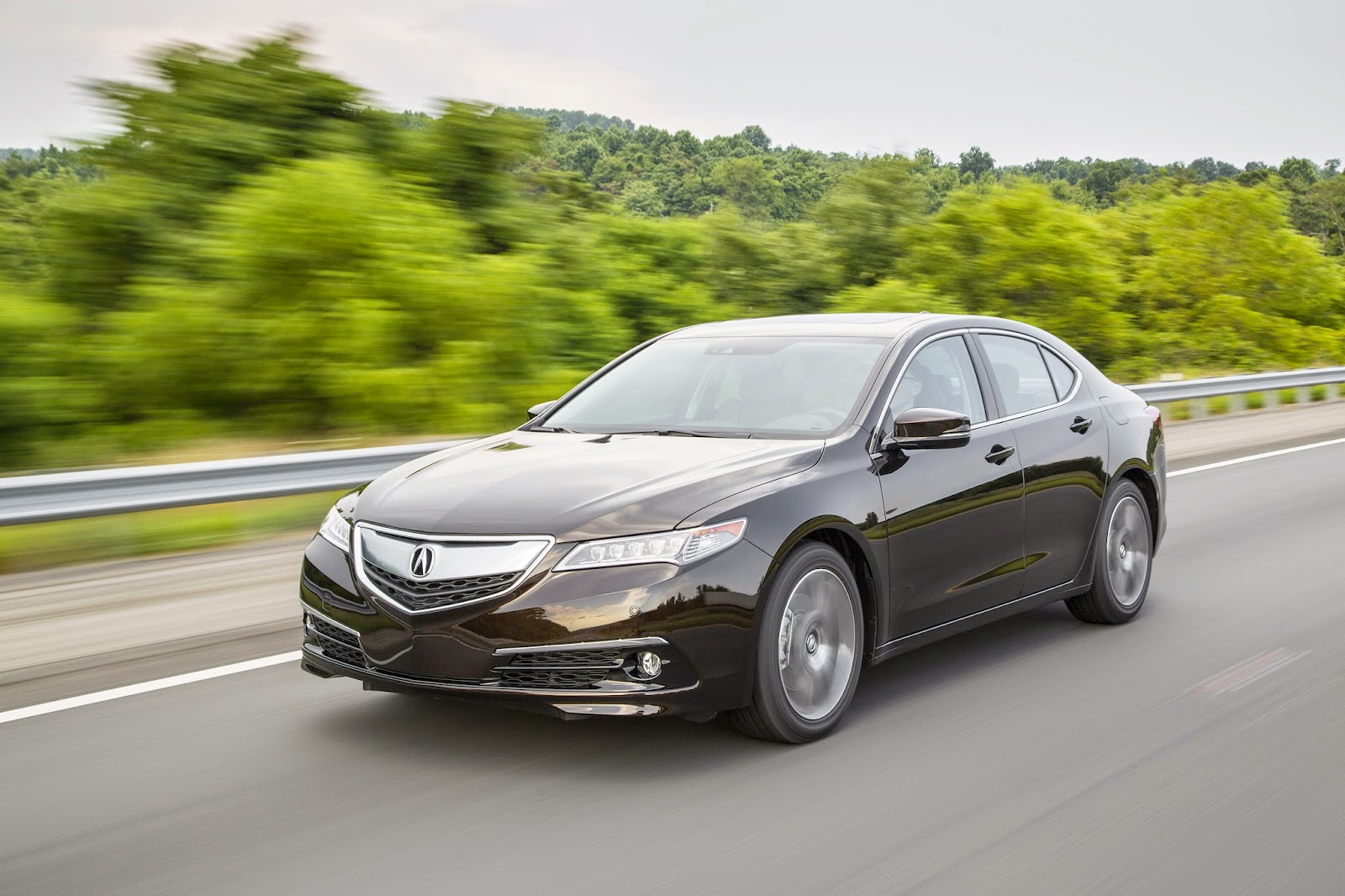 Front 3/4 view of 2015 Acura TLX