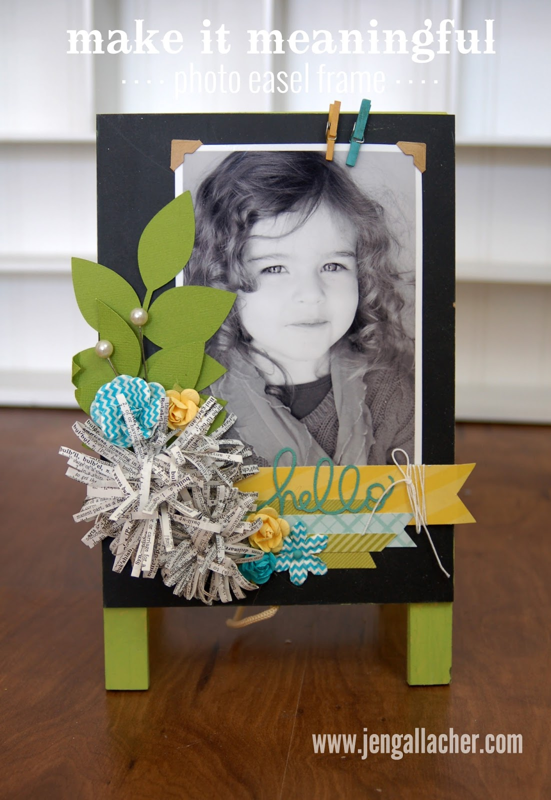 http://jengallacher.blogspot.com/2014/12/how-to-create-fringe-paper-flowers-with.html