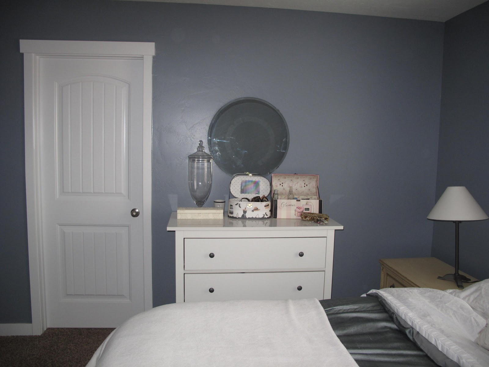remodelaholic beautifying the master bedroom