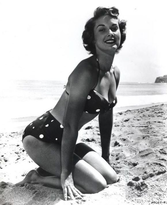 My Love Of Old Hollywood: June 2011